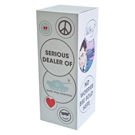 Sockel Pappkarton ganz flächig mit Logo bedruckt, 45 x 45 x 100 cm (LxBxH)
